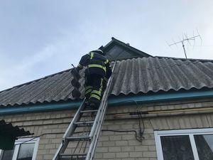 Кіровоградська область: Бійці ДСНС допомагають населенню після буревію