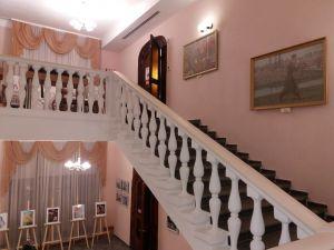У Кропивницькому розгортається виставка «Українське необароко ХХ століття»