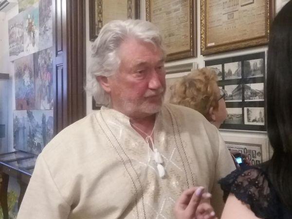 У Кропивницькому відкрилась художня виставка феноменального художника Андрія Чебикіна