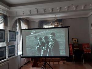 """У Кропивницькому відкрилася фотовиставка """" Знайомство через творчість """""""