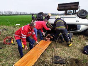Кіровоградська область: Opel Astra з'їхав у кювет і перекинувся (ФОТО)