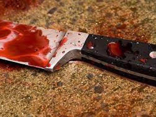 За що жінка штрикнула свого гостя ножем у живіт?