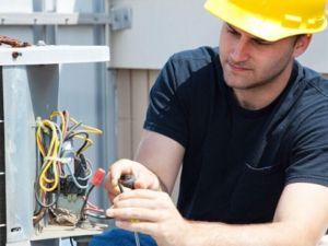 На підприємствах Кіровоградщини потрібні електрослюсарі