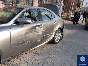 У Кропивницькому на перехресті сталася аварія