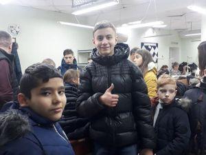 Кропивницький: Вихованці дитбудинку відвідали швейну фабрику