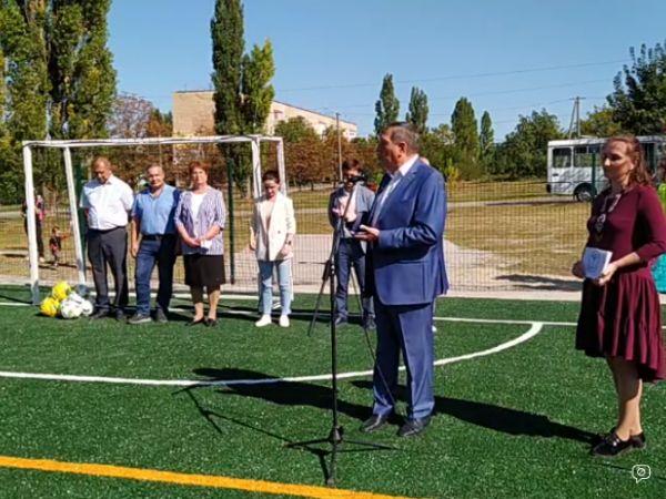 На селищі Новому триває відкриття спортивного майданчика (ВІДЕО)