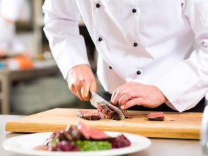 На Кіровоградщині потрібні два десятки кухарів