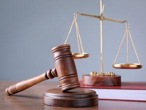 Двох чоловіків судитимуть за побиття спецінспектора у Кропивницькому