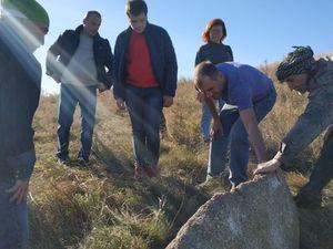 Кіровоградщина: Під Бобринцем знайшли кам'яних «баб» (ФОТО)