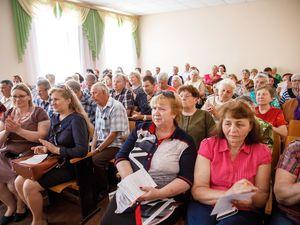 Місцева влада відповідала на запитання мешканців Кущівки