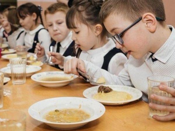 Шкільне харчування по-новому. Як зміняться їдальні з 1 вересня?
