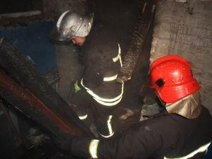 На Попова у багатоповерхівці загорілась кладовка
