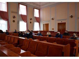 Новообрані кропивницькі депутати вчилися працювати в сесійній залі