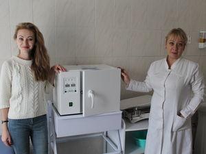 У дитячу обласну лікарню благодійники передали стерилізатор