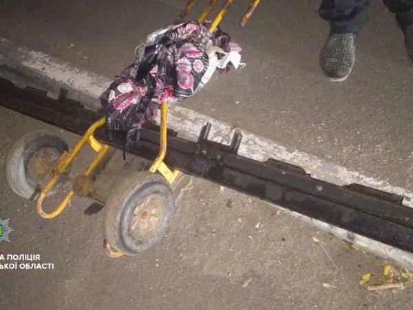 Кропивницькі патрульні затримали імовірного крадія металевої огорожі з Набережної