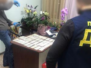 """Кіровоградщина: Управління охорони здоров'я збирало """"відкати"""" з підлеглих медпрацівників"""