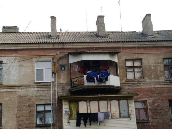 Кіровоградщина: Кіт видерся на піддашшя балкону