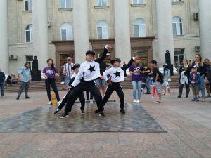 День молоді у Кропивницькому відзначили танцями та рок-концертом (ФОТО, ВІДЕО)