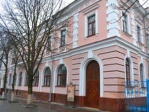 До Дня Збройних сил учні гімназії Шевченка передали військовим смаколики
