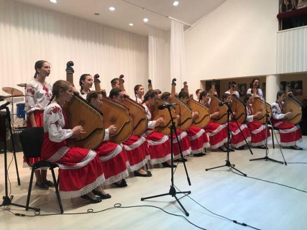 У Кропивницькій музичній школі відзначили 45-тиріччя закладу (ФОТО)