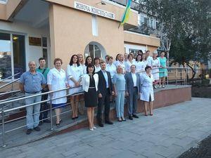 Жіночій консультації Кропивницького подарували автомобіль та озелененили територію (ФОТО, ВІДЕО)
