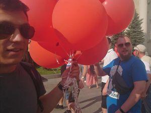 У Кропивницькому військові розігнали мітинг з червоними кульками (ВІДЕО, ФОТО)