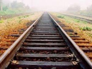 На залізничній колії знайшли труп чоловіка