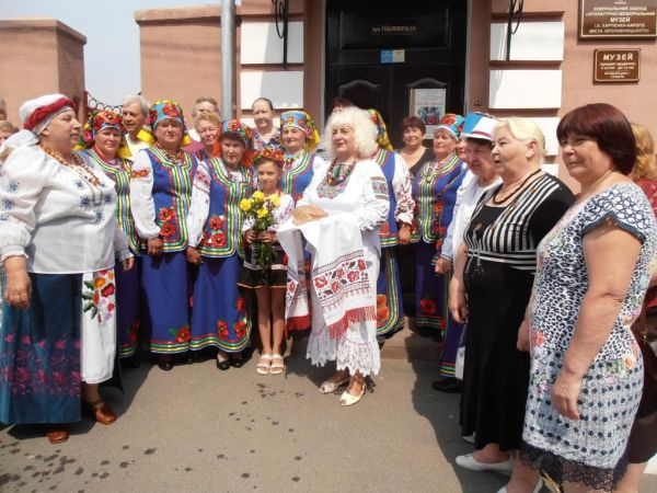 Кропивницький: Поетеса Валентина Кондратенко-Процун представила свою творчість
