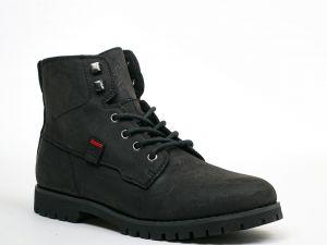 Які черевики обрати чоловіку та чому варто їх купувати у магазині одягу LeBoutique