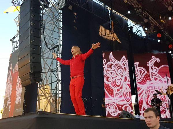 Український співак Олег Винник виступив у Кропивницькому (ФОТО, ВІДЕО)