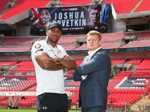 «Інтер» покаже боксерський поєдинок легендарних британця і росіянина