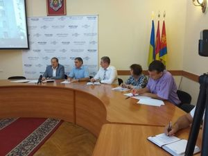 Одна із шкіл Кропивницького вимагає 37 тисяч гривень від батьків першачків