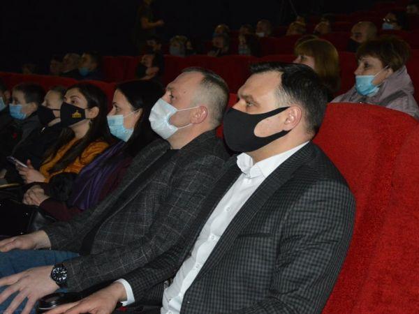 У Кропивницькому відбувся допрем'єрний показ фільму про українських кіборгів