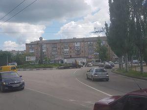 У Кропивницькому вантажівка в'їхала в Toyota Prado (ФОТО)