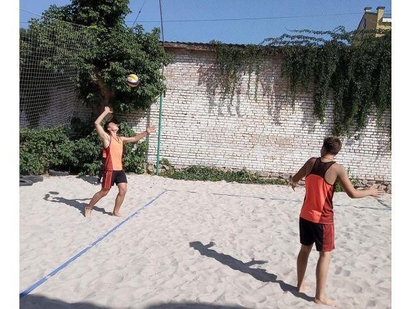 До Дня міста у Кропивницькому розіграли звання чемпіонів з пляжного волейболу