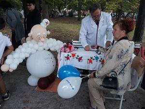 Півтисячі кропивничан відвідали «Міні-поліклініку на колесах» у День міста