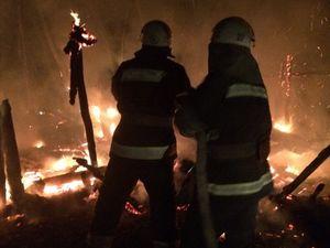 Кіровоградщина: В Устинівці згорів приватний дерев'яний сарай