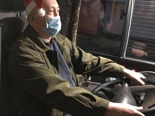 У Кропивницькому водії тролейбусів перевтілилися у святих Миколаїв