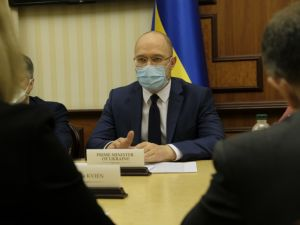 Денис Шмигаль обговорив реформи в Україні з послами Великої сімки