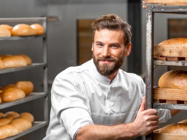 Безробітних Кіровоградщини навчають пекарській справі
