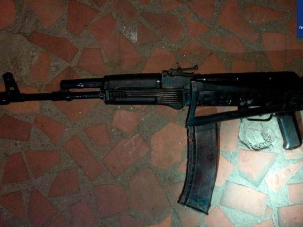 Кропивницький: На Пацаєва затримали чоловіка з автоматом Калашникова