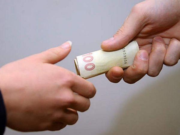 На Кіровоградщині патрульного звинувачують у вимаганні хабара