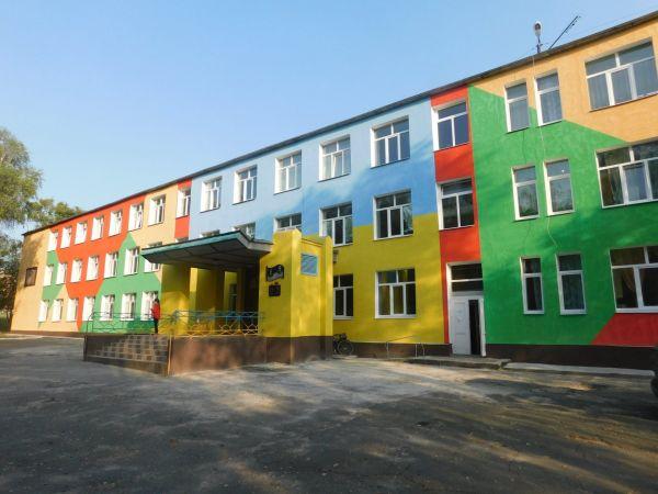 Кіровоградщина: На Новоархангельщині московська церква зазіхнула на земельну ділянку школи