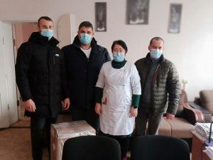 Кіровоградщина: Депутати - націоналісти передали для ЦРЛ кисневий концентратор
