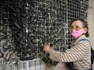 Музей мистецтв передає маскувальну сітку бійцям на сході України