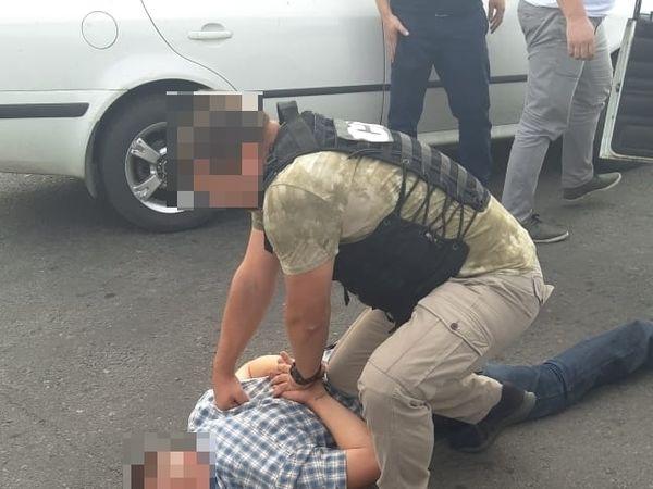 Капітан поліції займався продажем наркотиків і зброї
