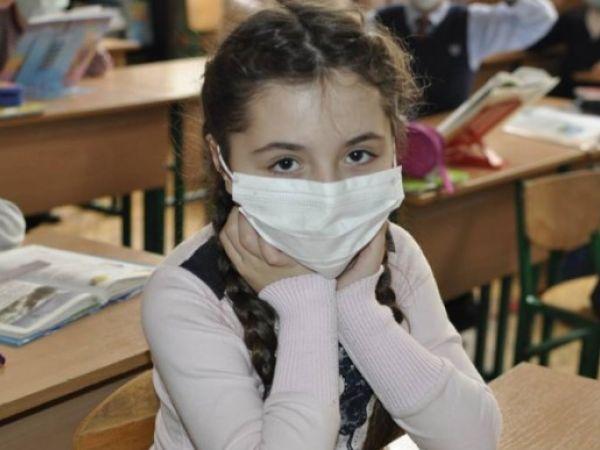 Через коронавірус сім шкіл області працюють у дистанційному режимі