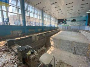 У Кропивницькому у спортшколі ремонтують басейн (ФОТО)