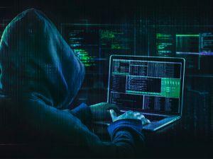 Молодий кіберзлочинець продавав фейковий застосунок «Дія» для створення підробних документів (ВІДЕО)