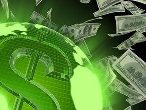 Українці можуть переказувати валюту за кордон з гривневого рахунку та без підтвердних документів